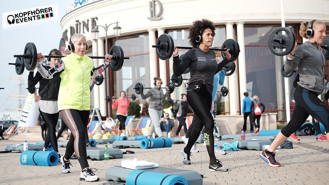 Silent Kopfhörer Fitness Gruppe beim Fitgesund Event von Intersport