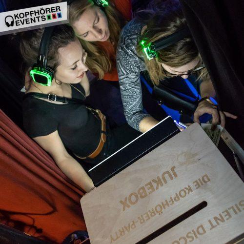 Jukebox bei einem Silent Disco Event mit Silent Disco Kopfhörern von Kopfhörer Events Deutschland