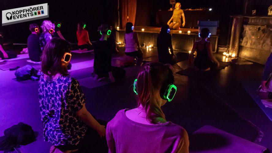 silent yoga event mit kopfhörern