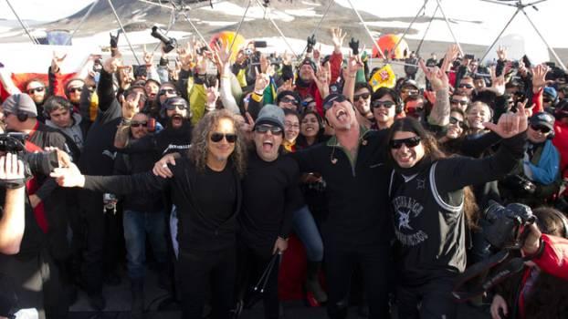 Metallica Konzert in der Antarktis mit Kopfhörern