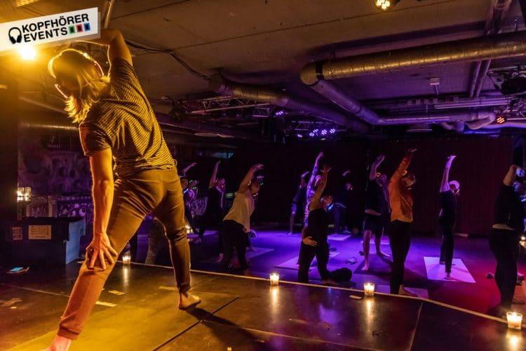 Silent Yoga mit Kopfhörern von Kopfhörer Events Deutschland